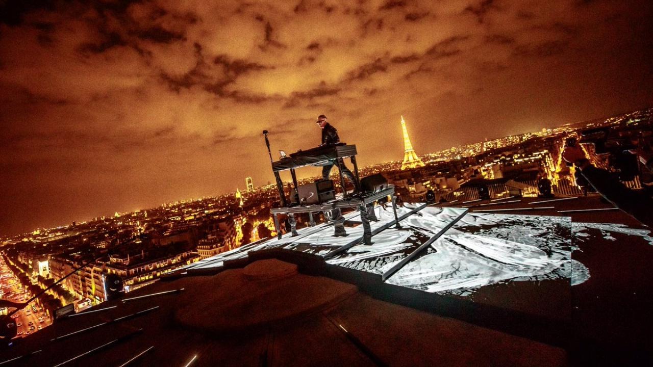 DJ Snake Presenta Su Nuevo Single En Lo Alto Del Arco Del